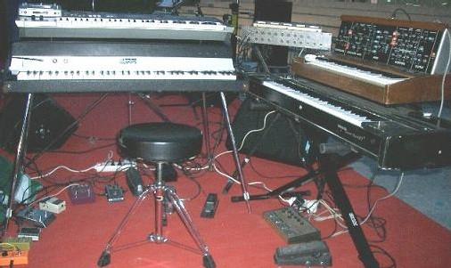 Fender Rhodes, Clavinet, Moog...