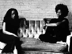 Jazzyfatnastees : Des femmes indépendantes.