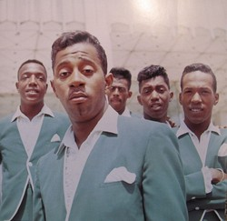 Les Temptations s'attaquent à Universal